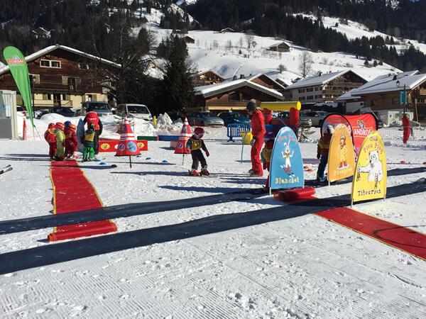 Club pour enfant PiouPiou débutant le ski