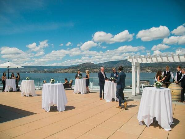 wedding venue next to lake