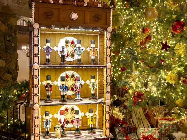 Stein Eriksen Lodge Gingerbread Display 2020