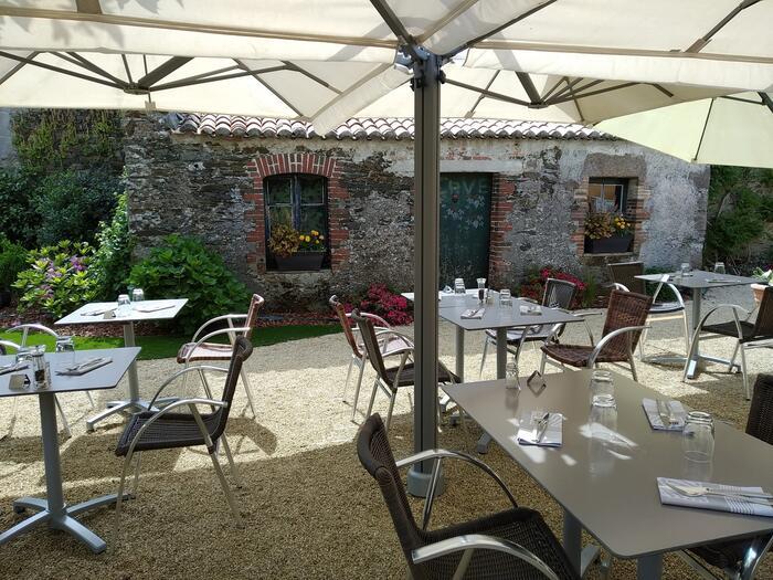 restaurant le petit saint georges à The Originals City, Hôtel Sa