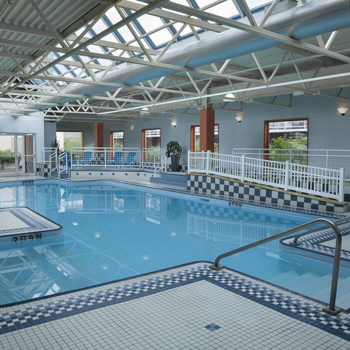 Hotel Halifax Pool