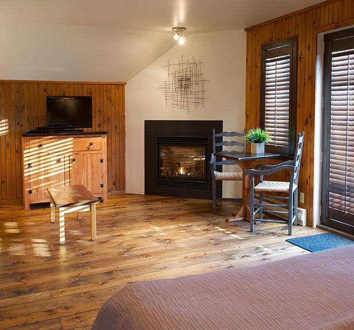 King Suite avec Foyer dans Auberge du Lac Taureau, The Originals