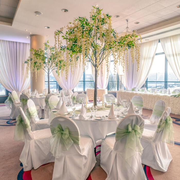 City Hotel Derry Ballroom Table Showing Decor For Wedding