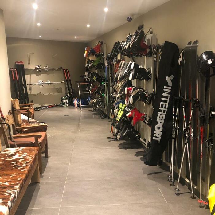 salle ski snowboard chaussure bâton