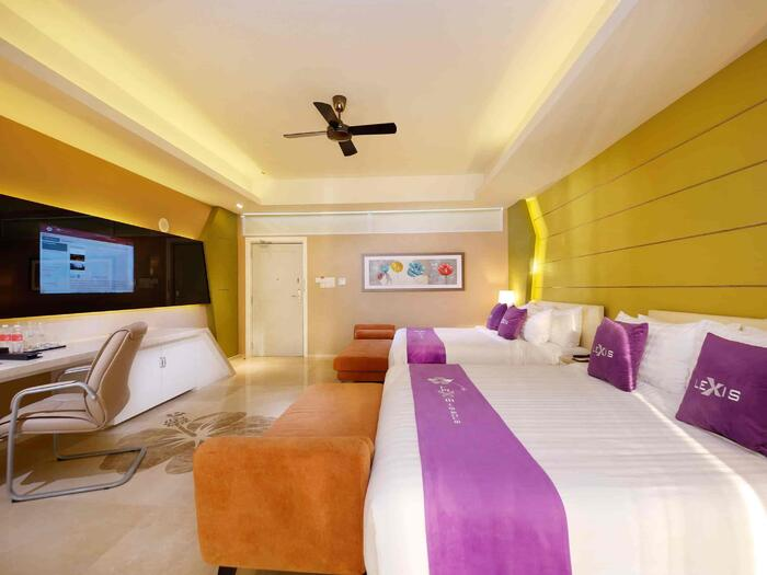 Beach view Premium Pool Villa Room with 2 king size beds - Lexis