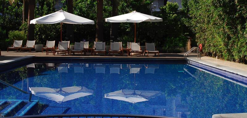 Piscina del Hotel Aimia en Port de Sóller, Mallorca
