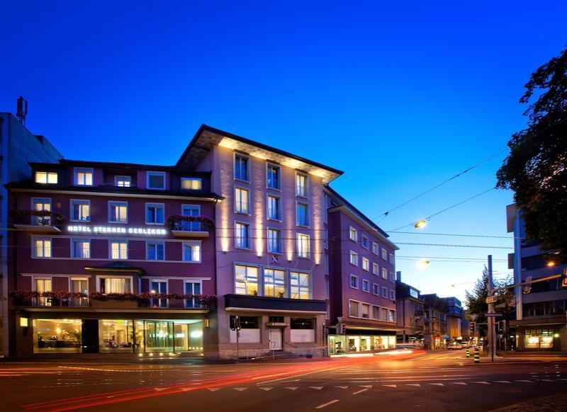 Hotel Sternen Oerlikon Façade at night