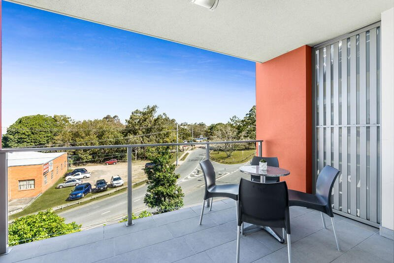 One Bedroom Apartment - Balcony - Essence Apartments Chermside