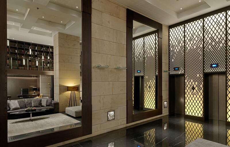 Room Mirror NJV Athens Plaza