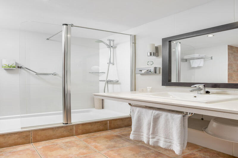 Sunset Harbour Club One Bedroom Bathroom
