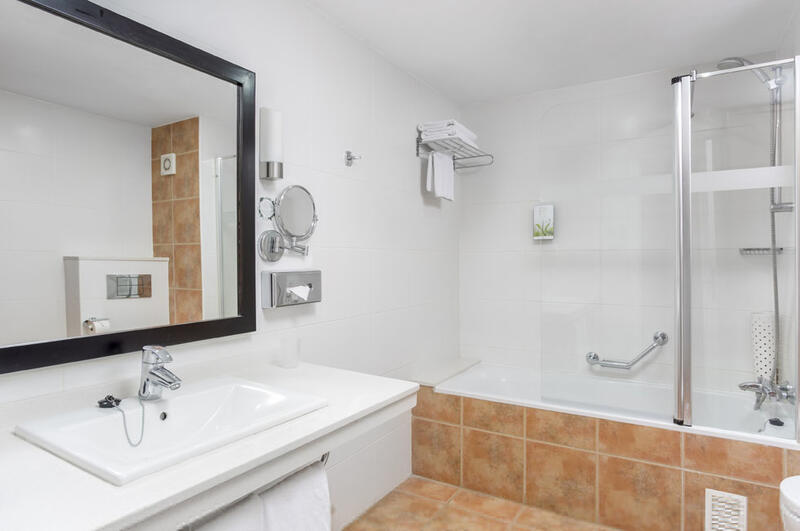 Sunset Harbour Club Two Bedroom Bathroom