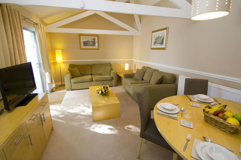 Woodford Bridge Country Club Two Bedroom Lodge Refurbished Livin