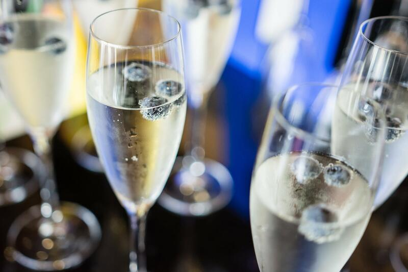 Close photo of champagne flutes