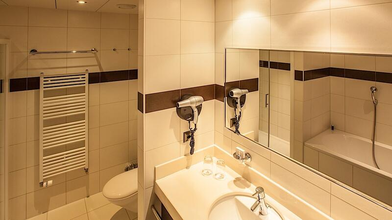 Executive Room Bath at Airport Hotel Basel