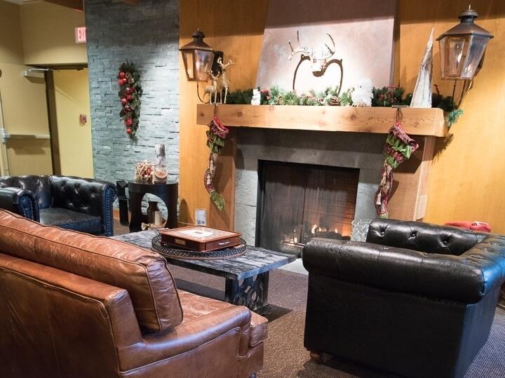 cove lakeside lobby