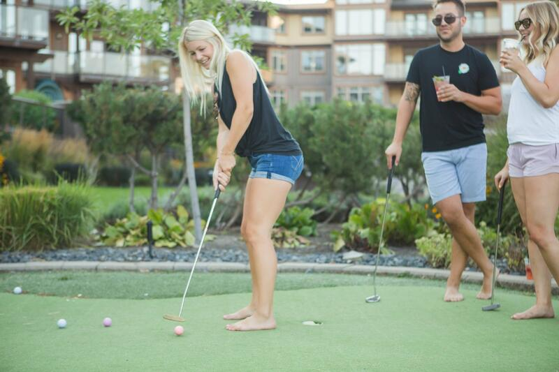 Guests on putting green