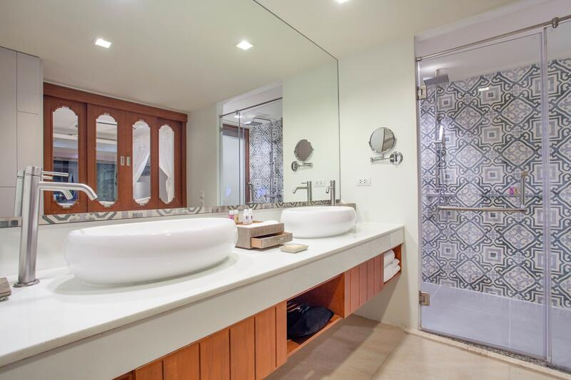 U Zenmaya Phuket Suite Seaview Pool Access Room Bathroom