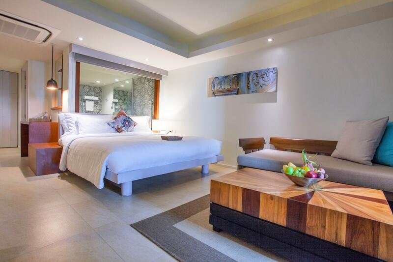 U Zenmaya Phuket Deluxe Seaview Pool Access Room