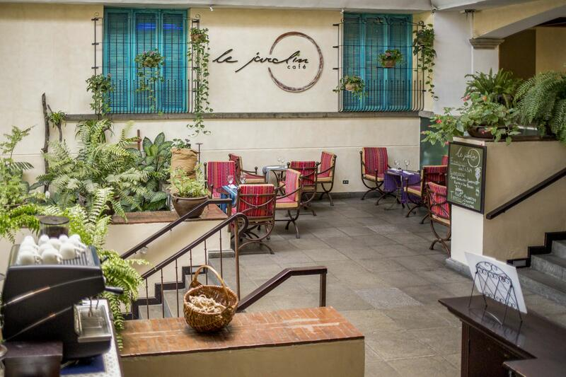 Le jardin Café área al aire libre