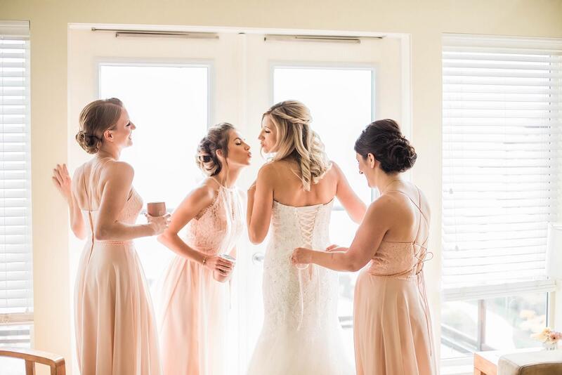 wedding girls in room