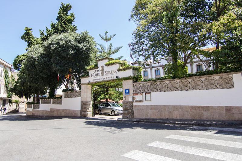 Entrance at Gran Hotel Sóller in Majorca