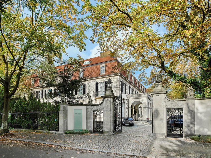 Hotel Exterior View - Patrick Hellman Schlosshotel