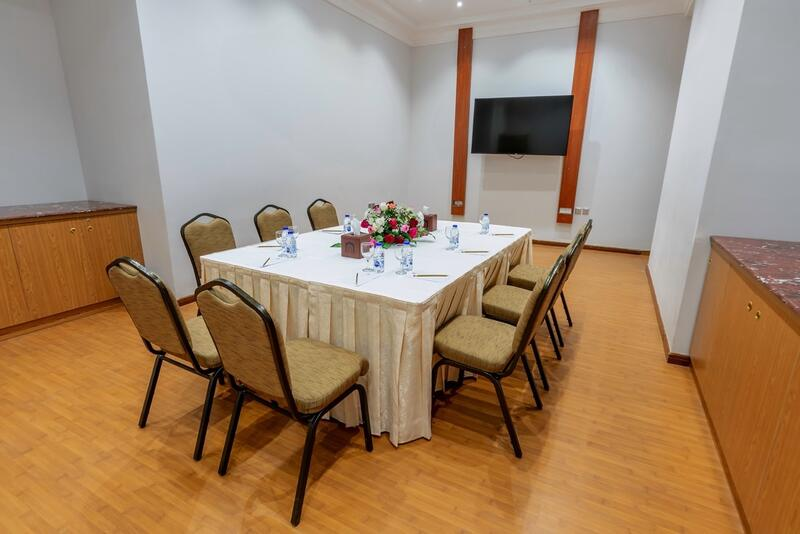 Narcissus Meeting room at Makeen Homes by Warwick
