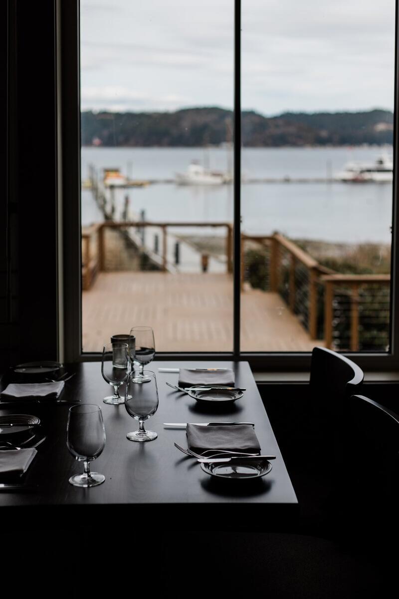 RestaurantWindowSeat