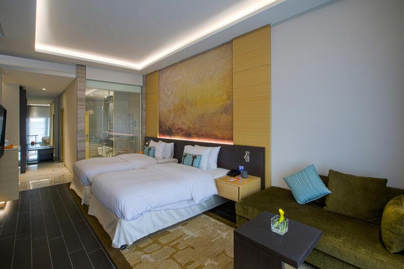 Twin Beds at Grayton Hotel Dubai