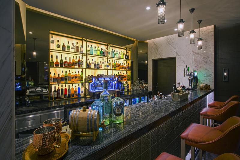 Bar at Grayton Hotel Dubai