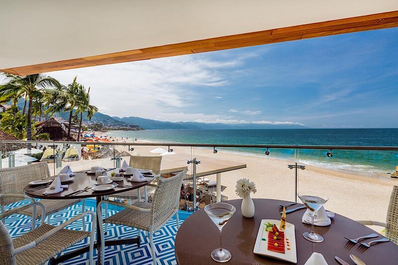 Restaurante Villa Premiere La Ceiba frente al mar