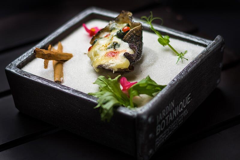 Concha comestible de ostra ahumada