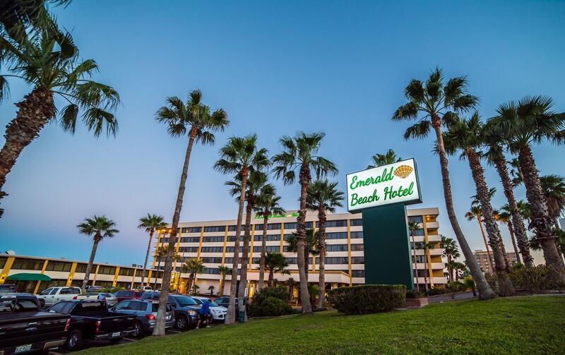 Emerald Beach Hotel Exterior
