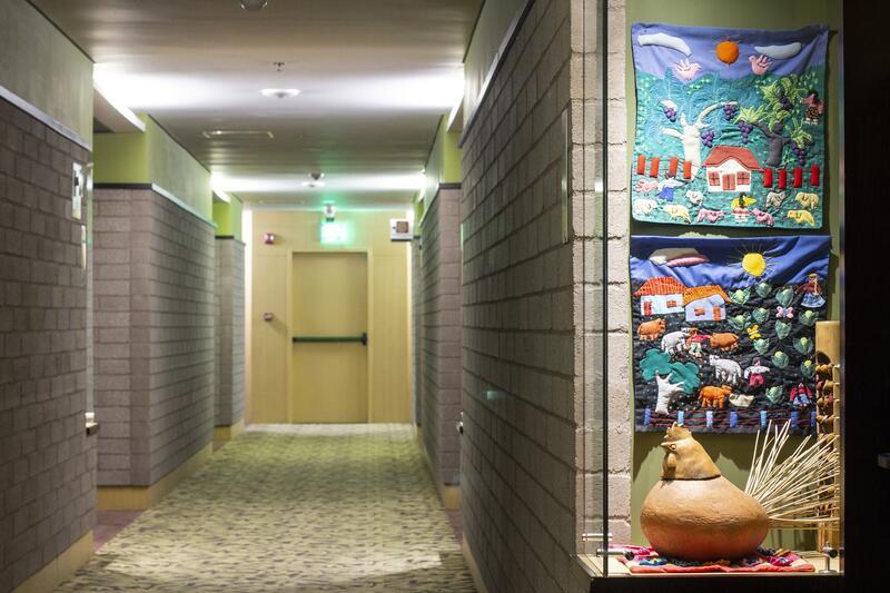Diez Hotel Hallway to Rooms