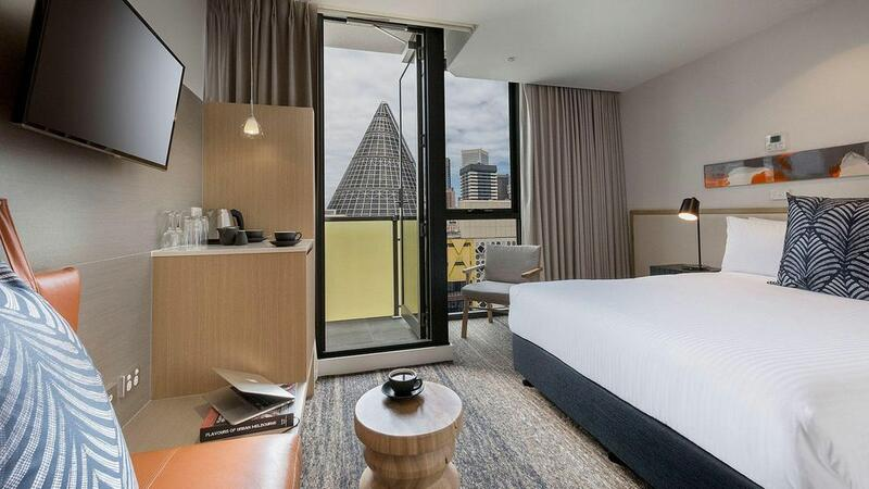 Queen bedroom at Brady Hotels Central Melbourne