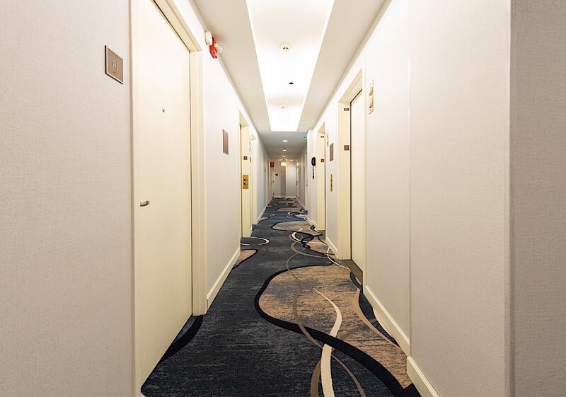 hotel felix hallway