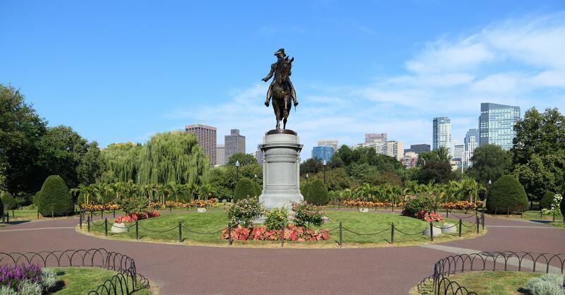 Boston Public Garden's statue of George Washington on horse