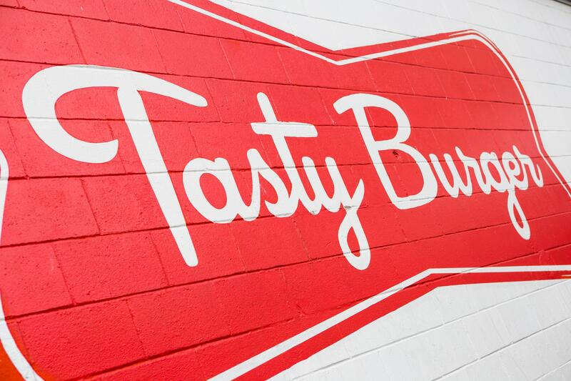 Tastey Burger Logo