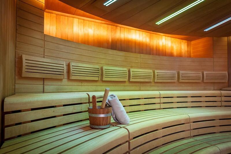 AquaWell SaunaWelten Sportbecken Fitness