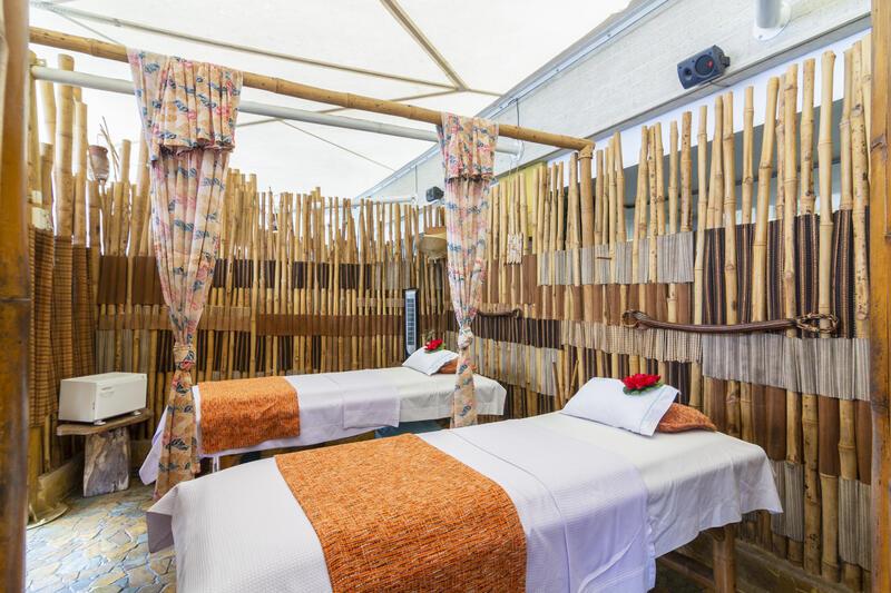 Diez Hotel Massage Tables
