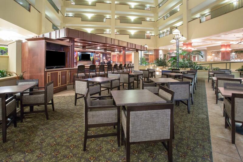 Capitol Plaza Topeka Lounge