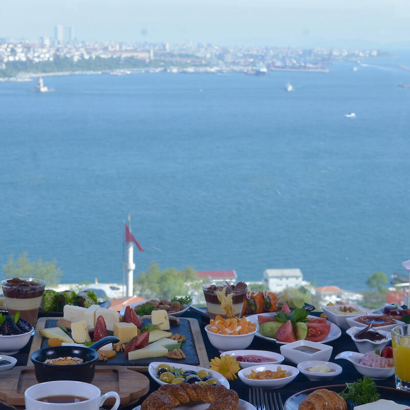 Mother's day at IZAKA Restaurant & Bar in Istanbul