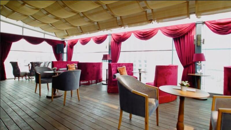 Bar at CVK Taksim Hotel in Istanbul
