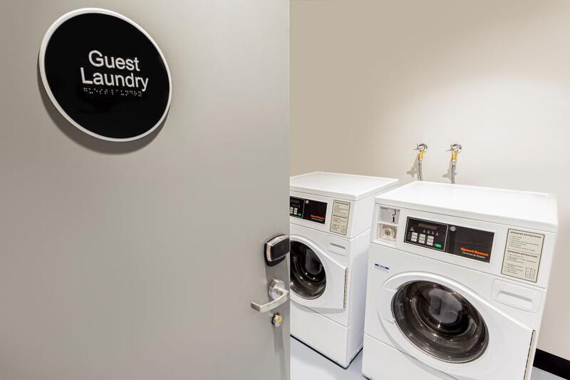 Brady Hotels Jones Lane - guest laundry