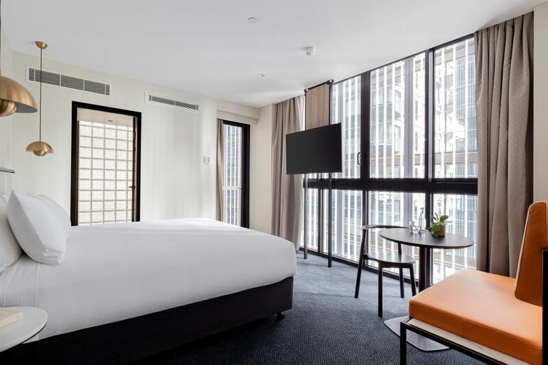 Brady Hotels Jones Lane - Juliette Room