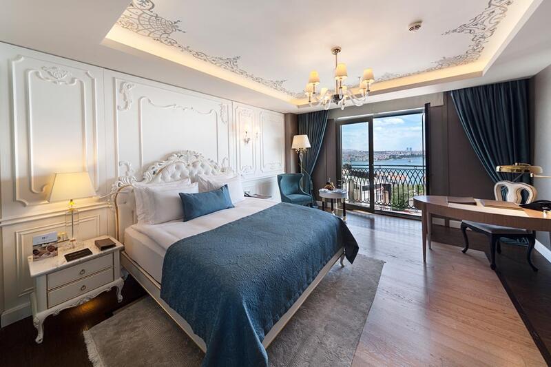 Deluxe room at CVK Park Bosphorus Hotel Istanbul
