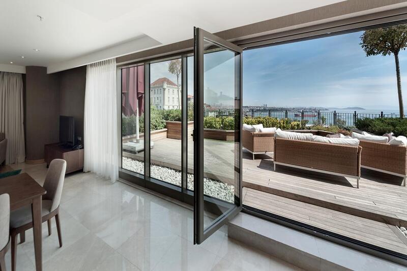 Three-Bedroom Suite with terrace at CVK Park Prestige Suites in