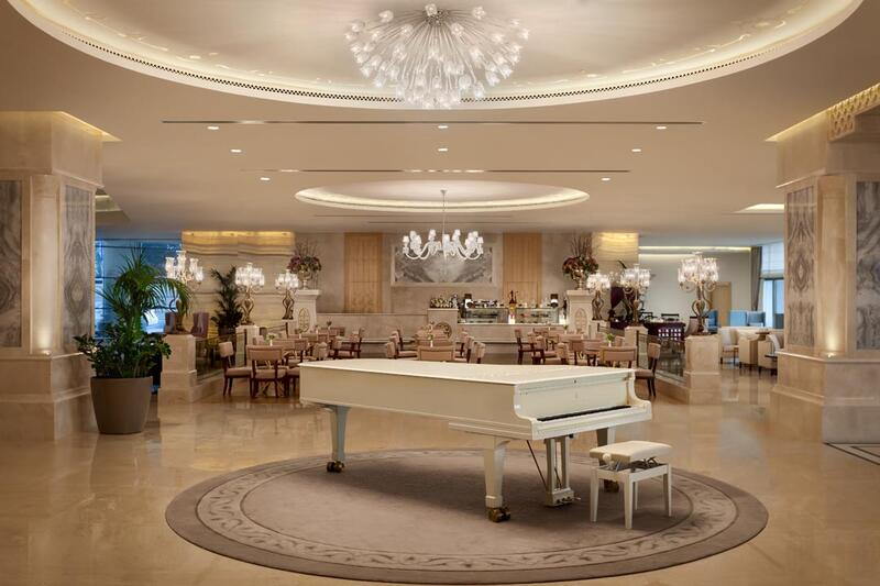 Park Patisserie at CVK Park Prestige Suites in Istanbul