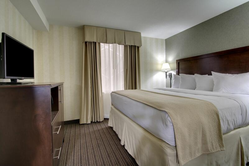two room suite bed