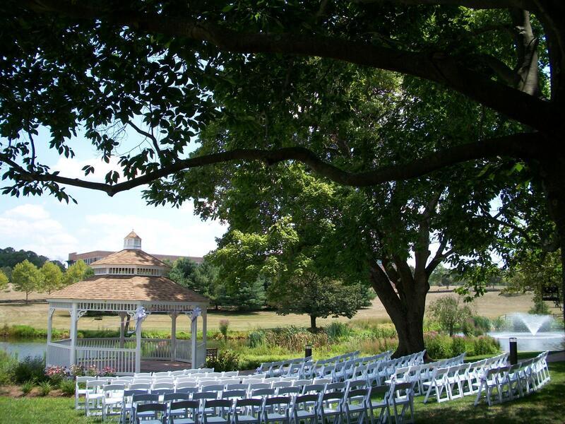 wedding venue with gazebo on the lake